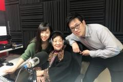 說古話今論藝壇主持李鳳聲女士