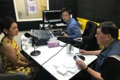 著名歌后葉麗儀小姐接受李學儒先生訪問